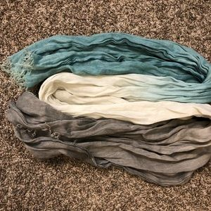 Accessories - Ombre blue to grey scarf